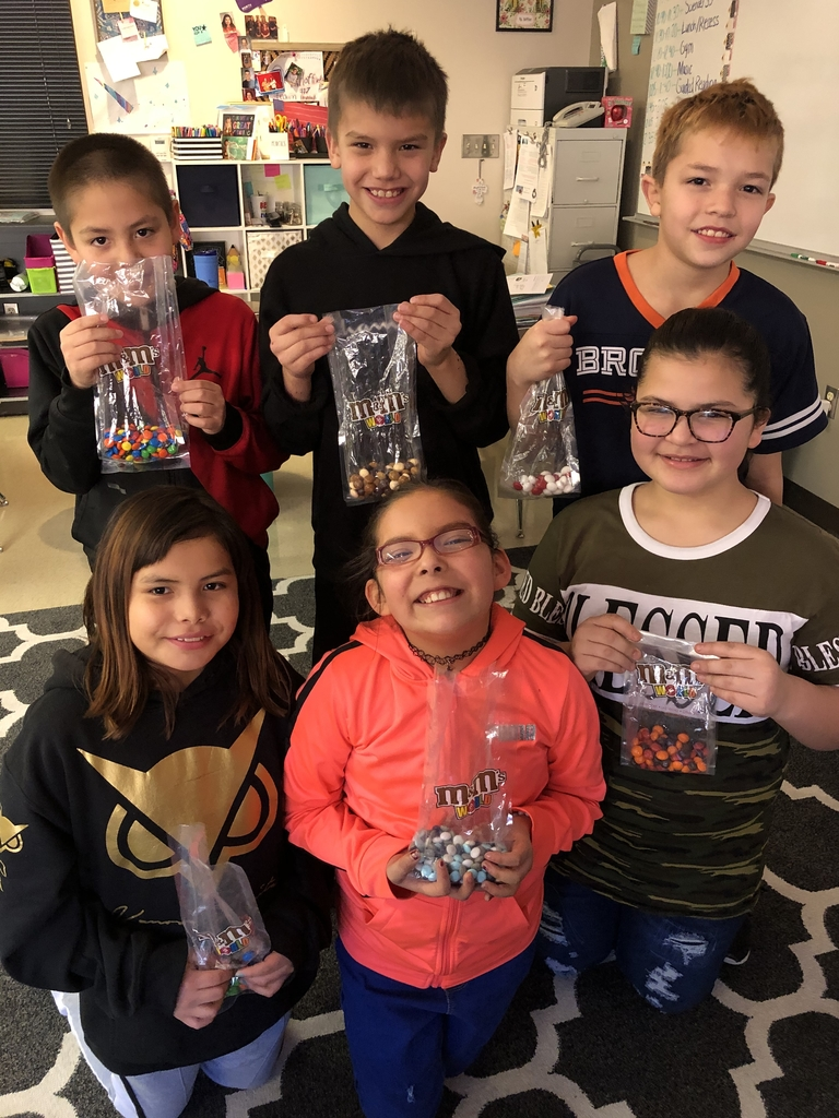 Over break, Ms. Hansen went to M&M World in Las Vegas! She brought back a bunch of different flavors for us to taste test!Thank you for thinking of us! The 4th graders greatly appreciate it 😋